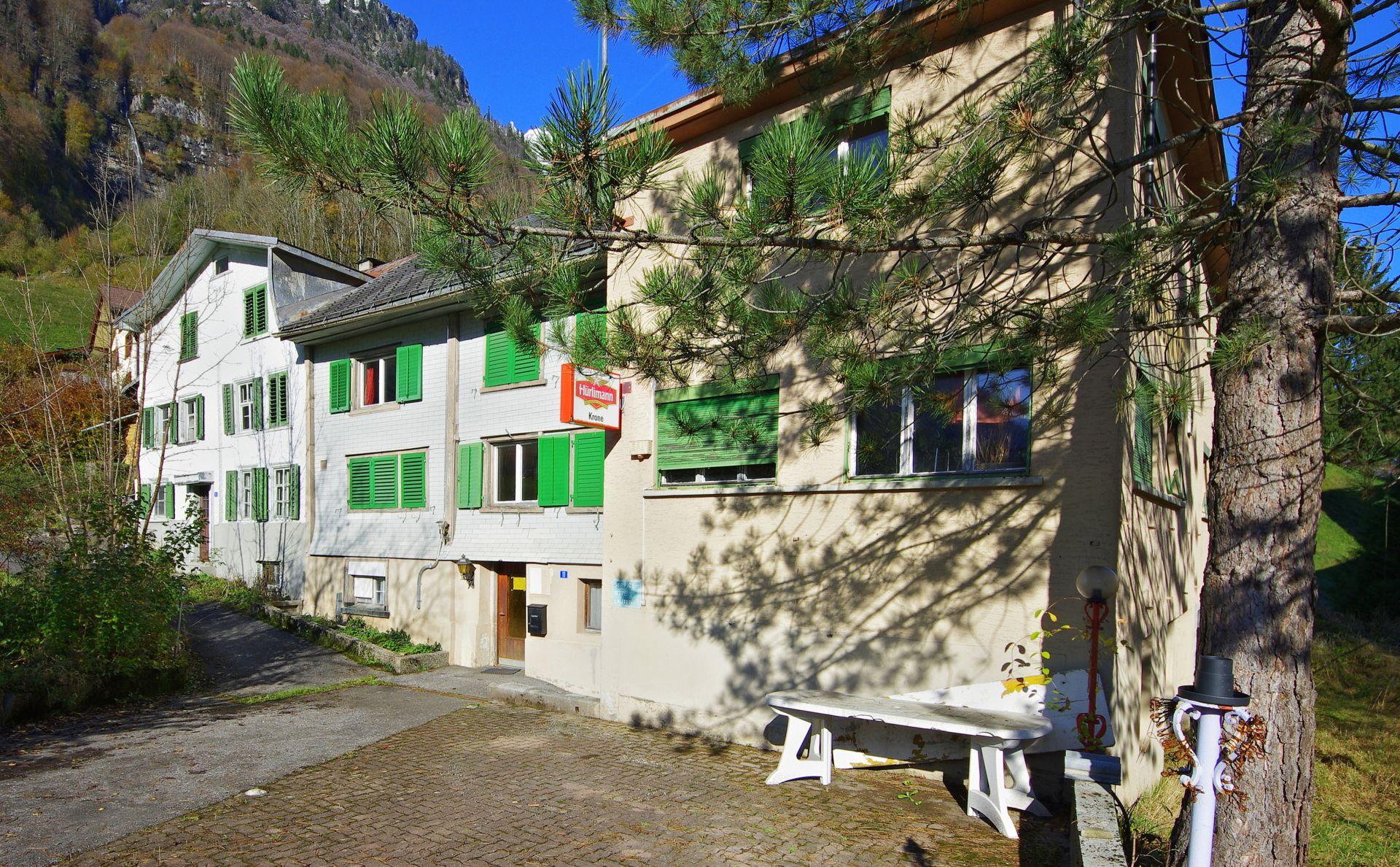 Miete: Wohnhaus direkt beim Bahnhof