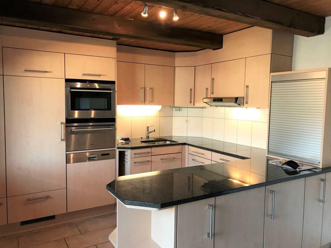 Preiswerte 3.5-Zimmer-Wohnung mit Cheminée, grossem Balkon und viel Charme