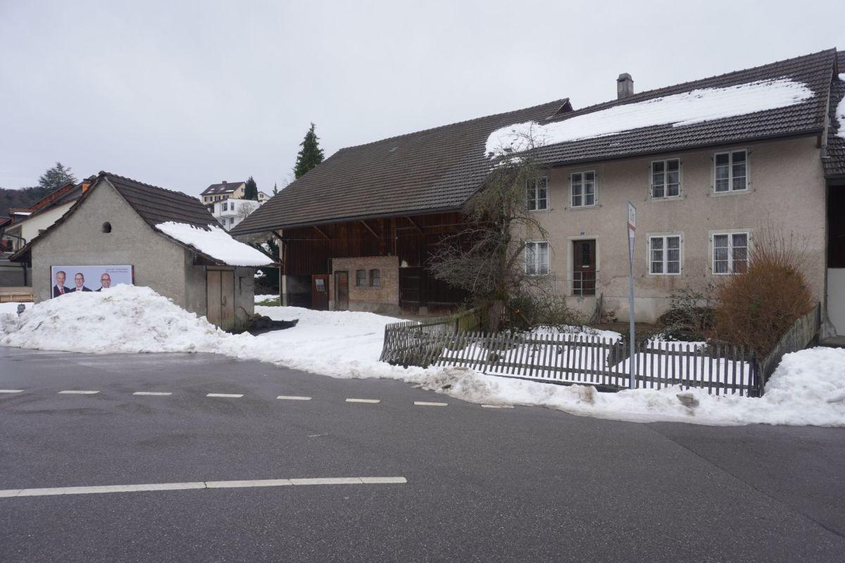 Grundstück mit Altliegenschaft in unmittelbarer Nähe zum Dorfzentrum