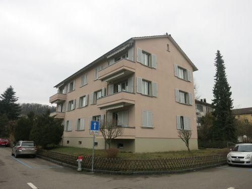 Grosszügige 3.5-Zimmer-Wohnung mit 2 Balkonen