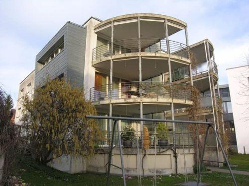 Moderne, hochwertig ausgebaute 4.5-Zimmer-Wohnung mit Balkon