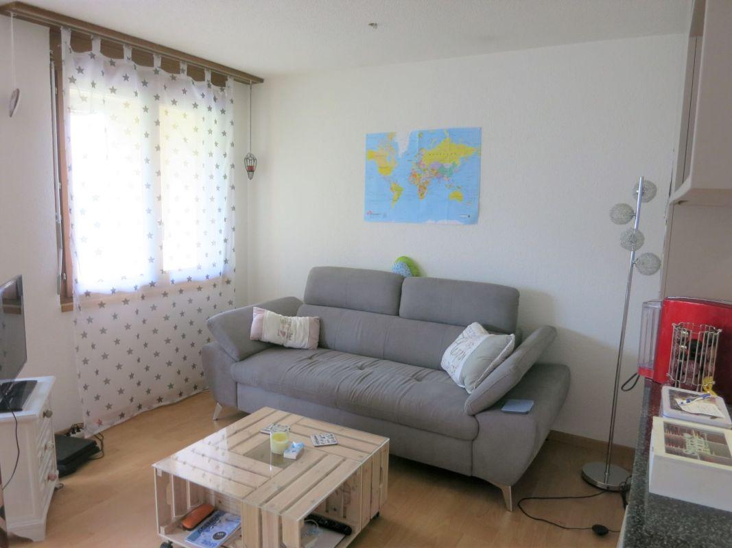 Helle, geräumige 2.5-Zimmer-Gartenwohnung mit sonnigem Sitzplatz