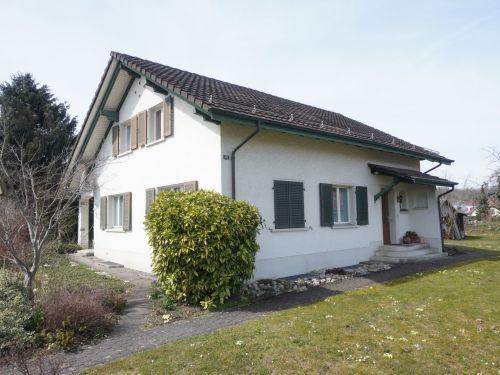 6.5-Zimmer-Einfamilienhaus an ruhiger und sonnenverwöhnter Wohnlage