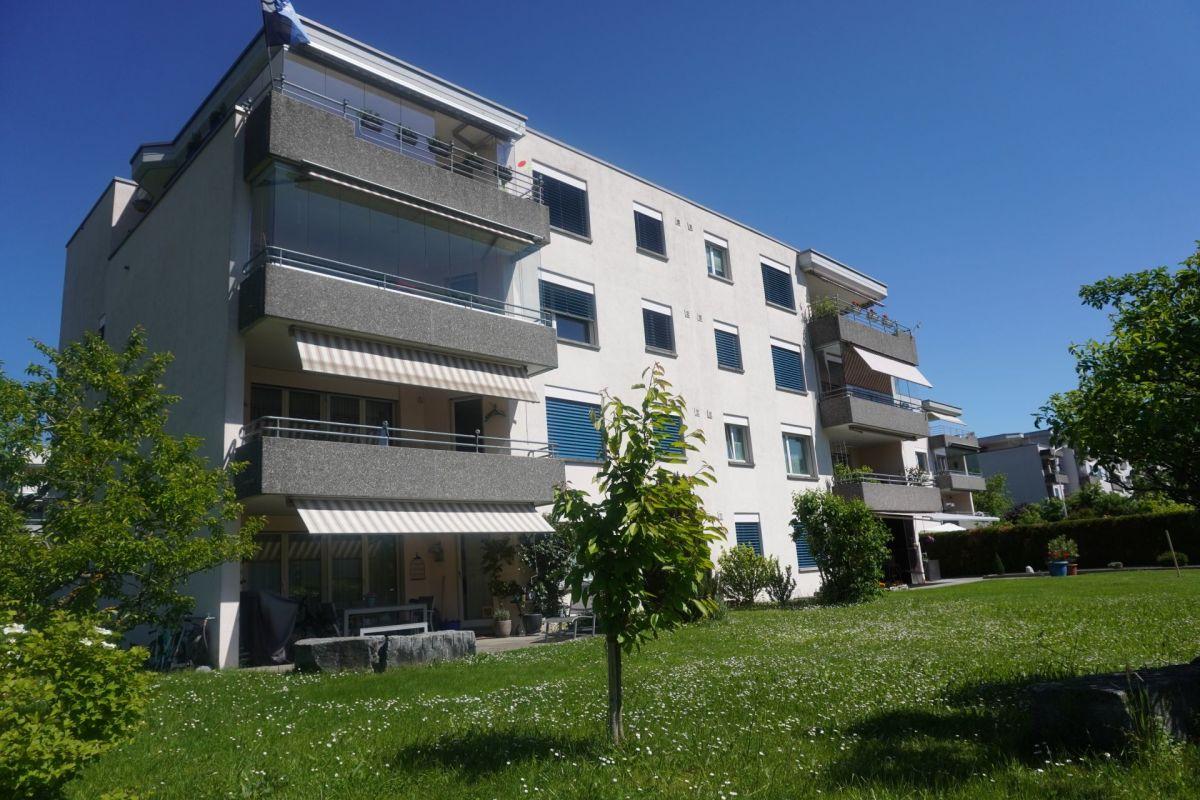 4.5-Zimmer-Erdgeschosswohnung mit Tiefgaragenparkplatz