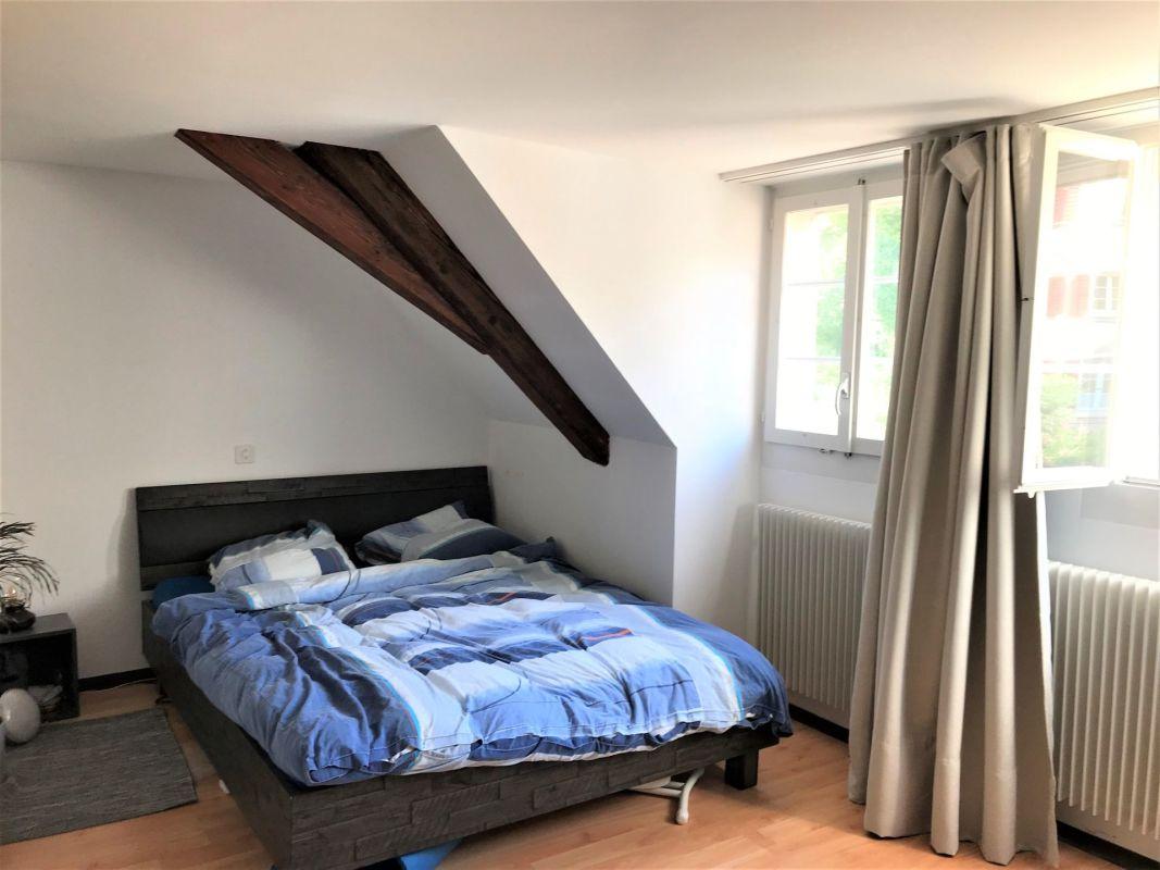 Attraktive 2.0-Zimmer-Altbauwohnung in historischer Liegenschaft an zentraler Lage