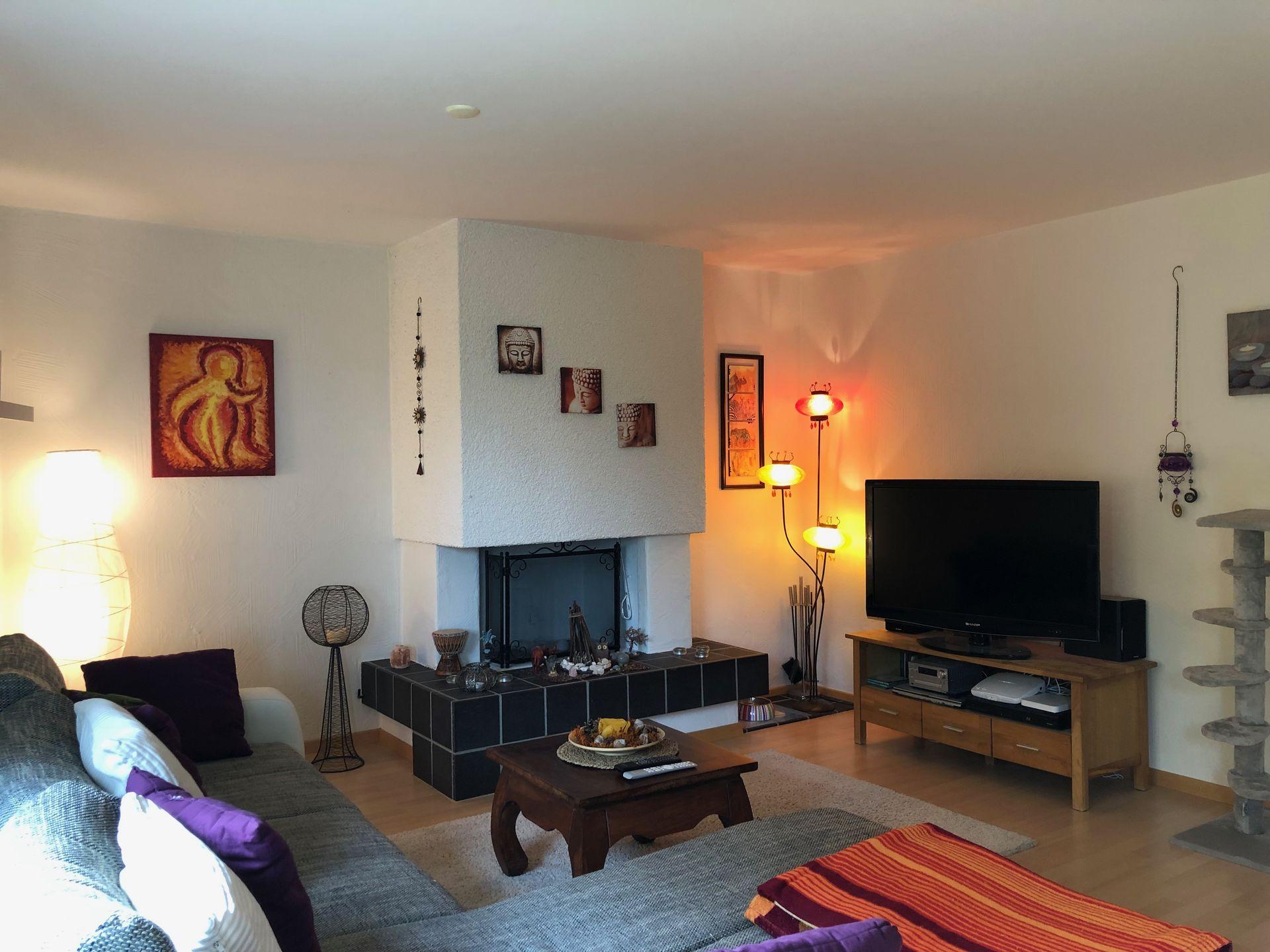 Miete: schöne und grosszügige Wohnung mit Bodenheizung