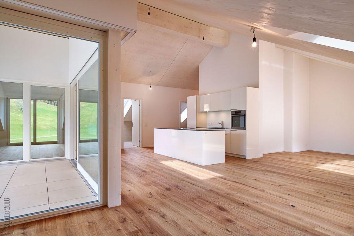 Miete: Attika-Wohnung im Appenzeller-Baustil