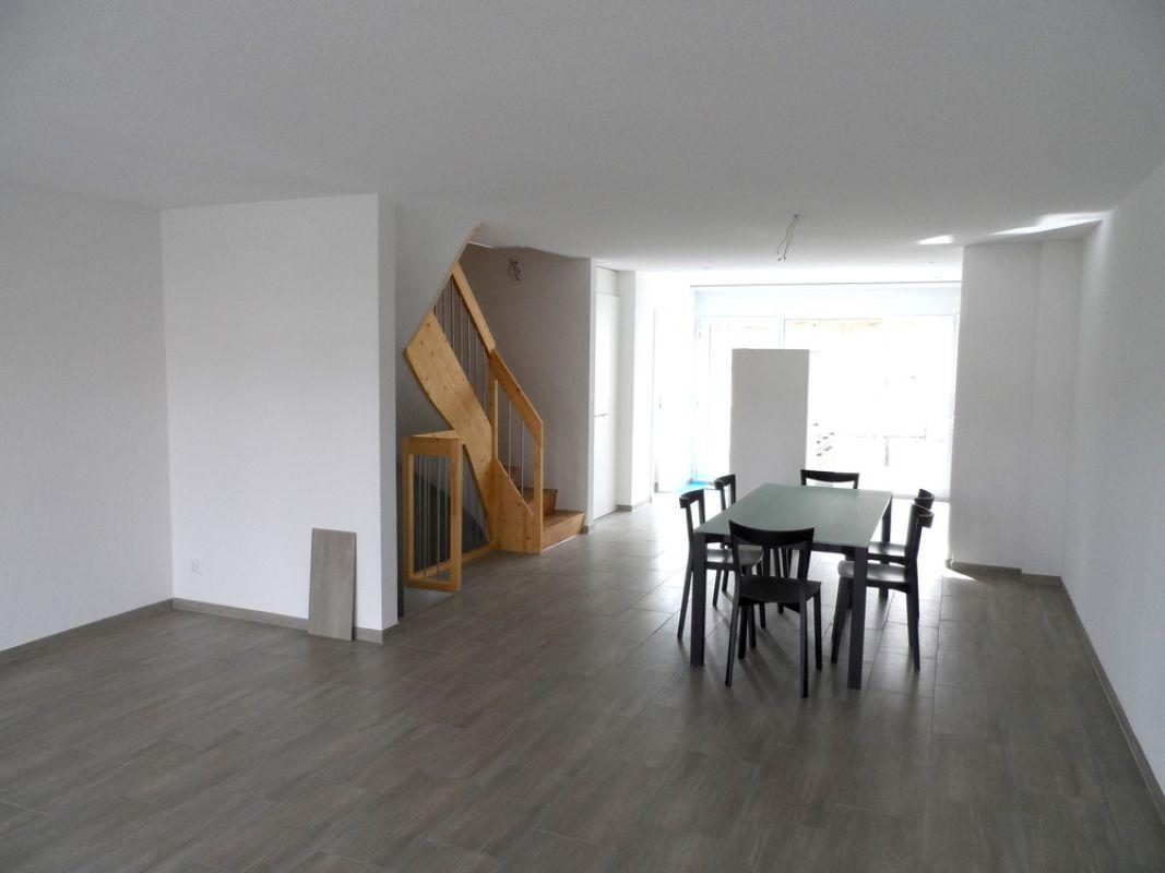 4 5 zimmer reihenhaus zum kaufen in grenchen. Black Bedroom Furniture Sets. Home Design Ideas