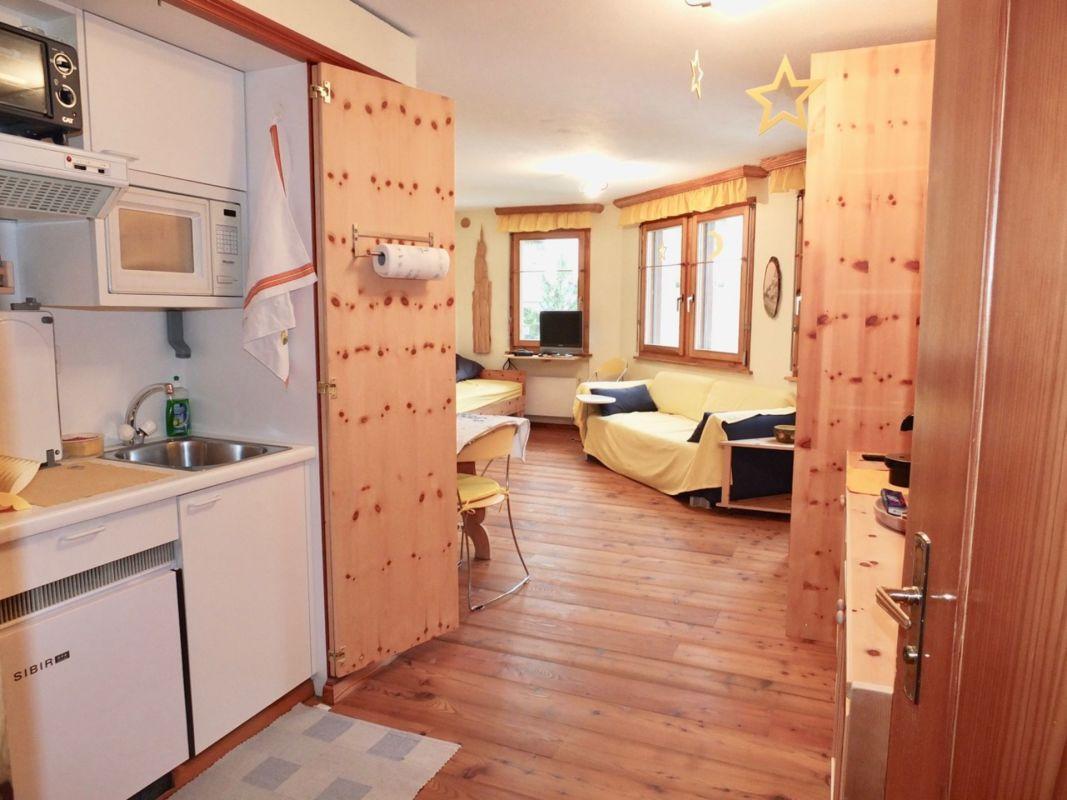 1 zimmer wohnung zu kaufen in zuoz. Black Bedroom Furniture Sets. Home Design Ideas