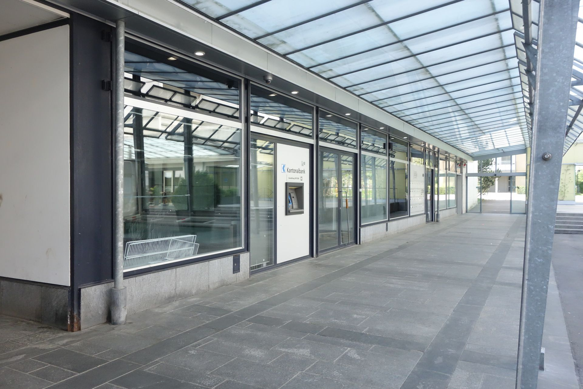 Miete: Gewerberäumlichkeit 220 m² im Einkaufszentrum