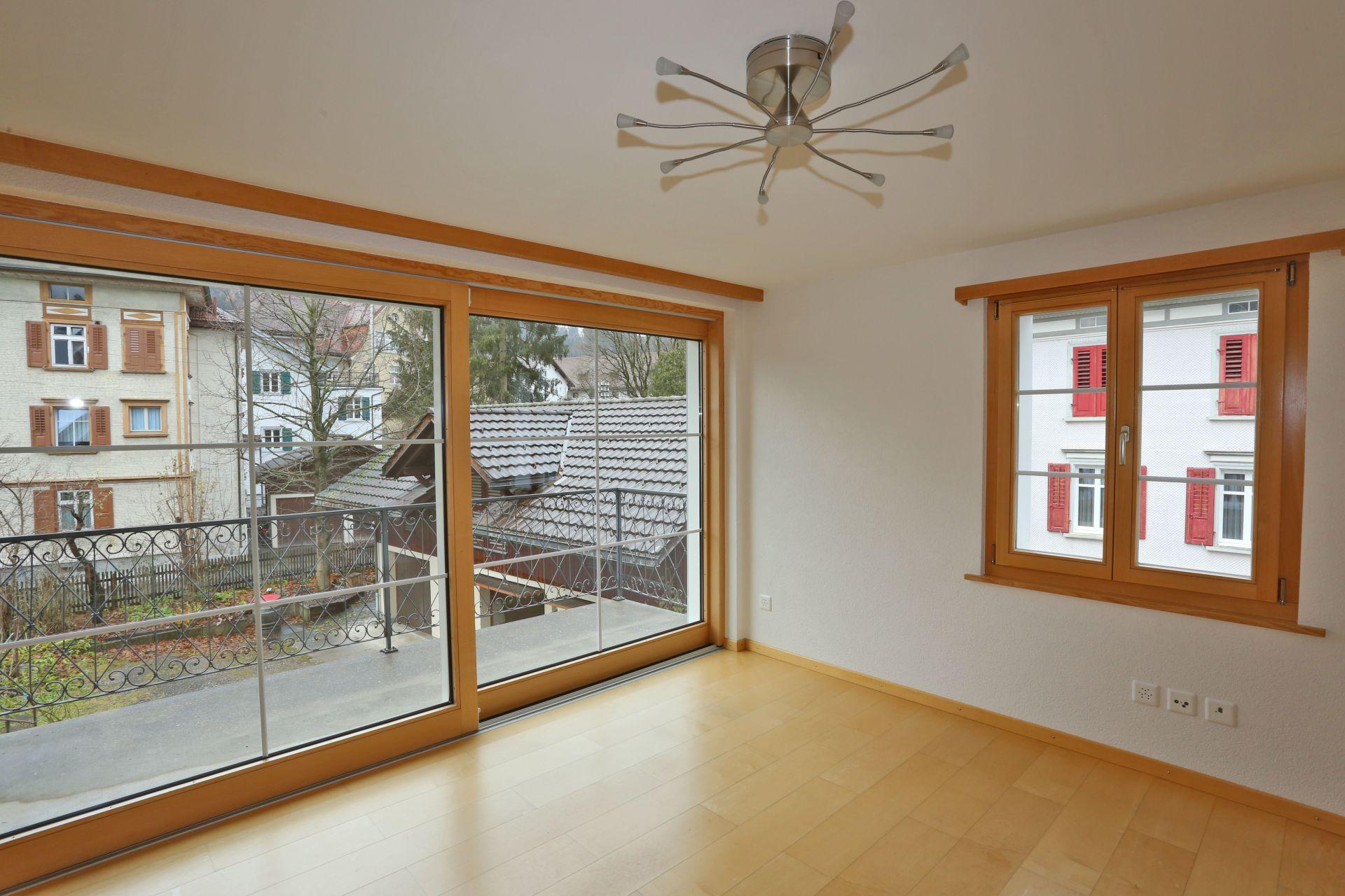 Miete: Wohnung mit Garage im Zentrum von Appenzell