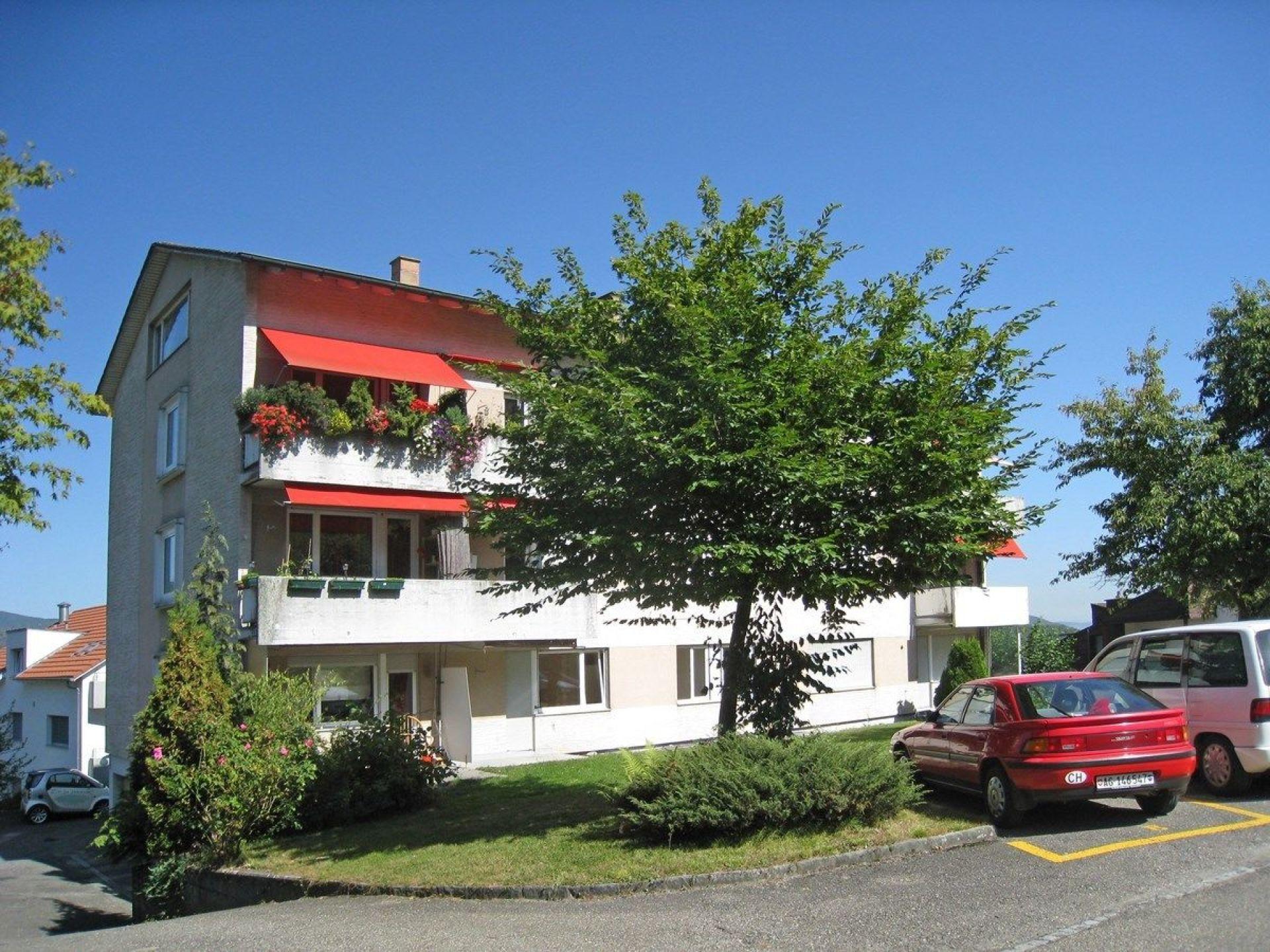 Vermietung: Wohnung mit Balkon und schöner Umgebung