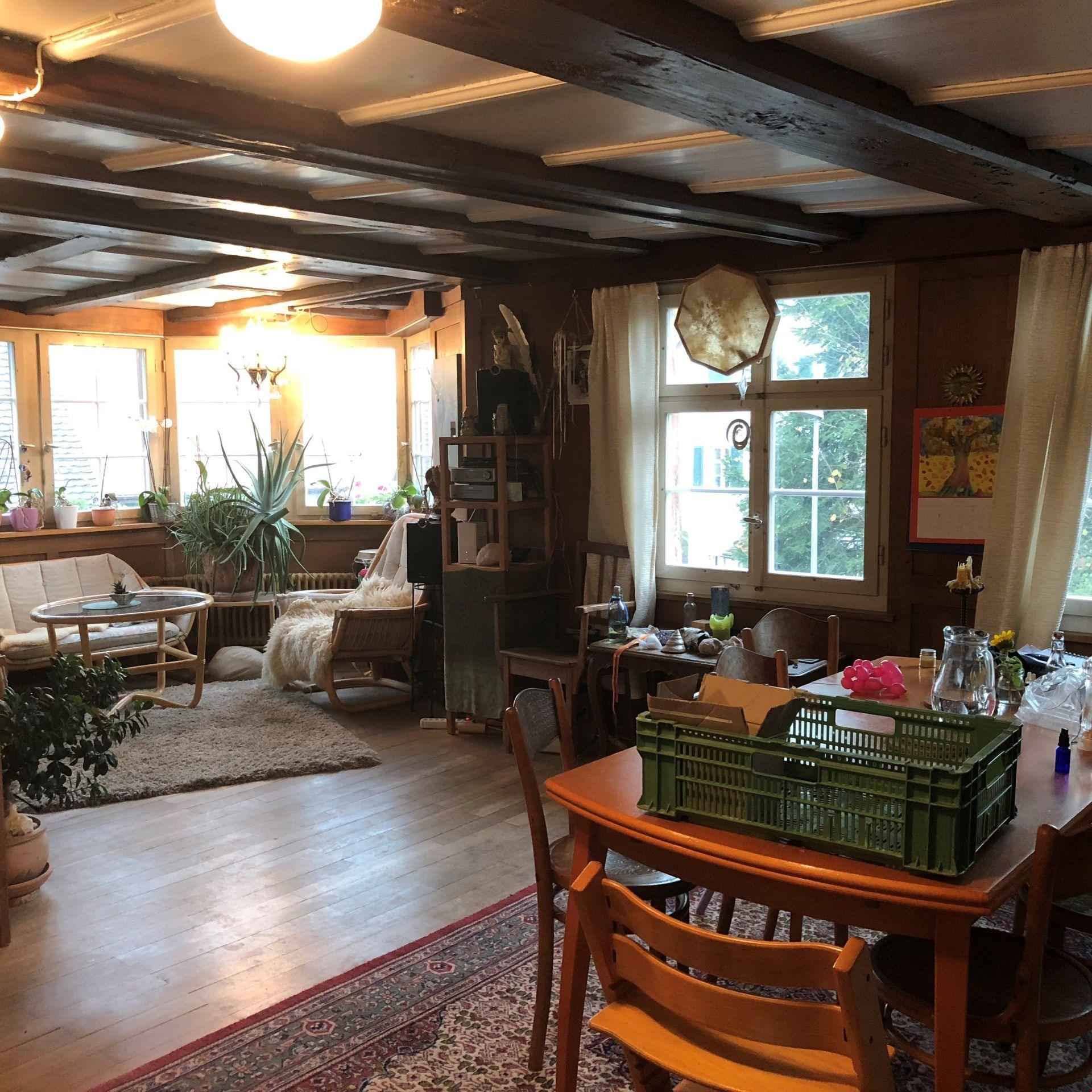 Miete: Einfamilienhaus, gemütlicher Hausteil mit Charme