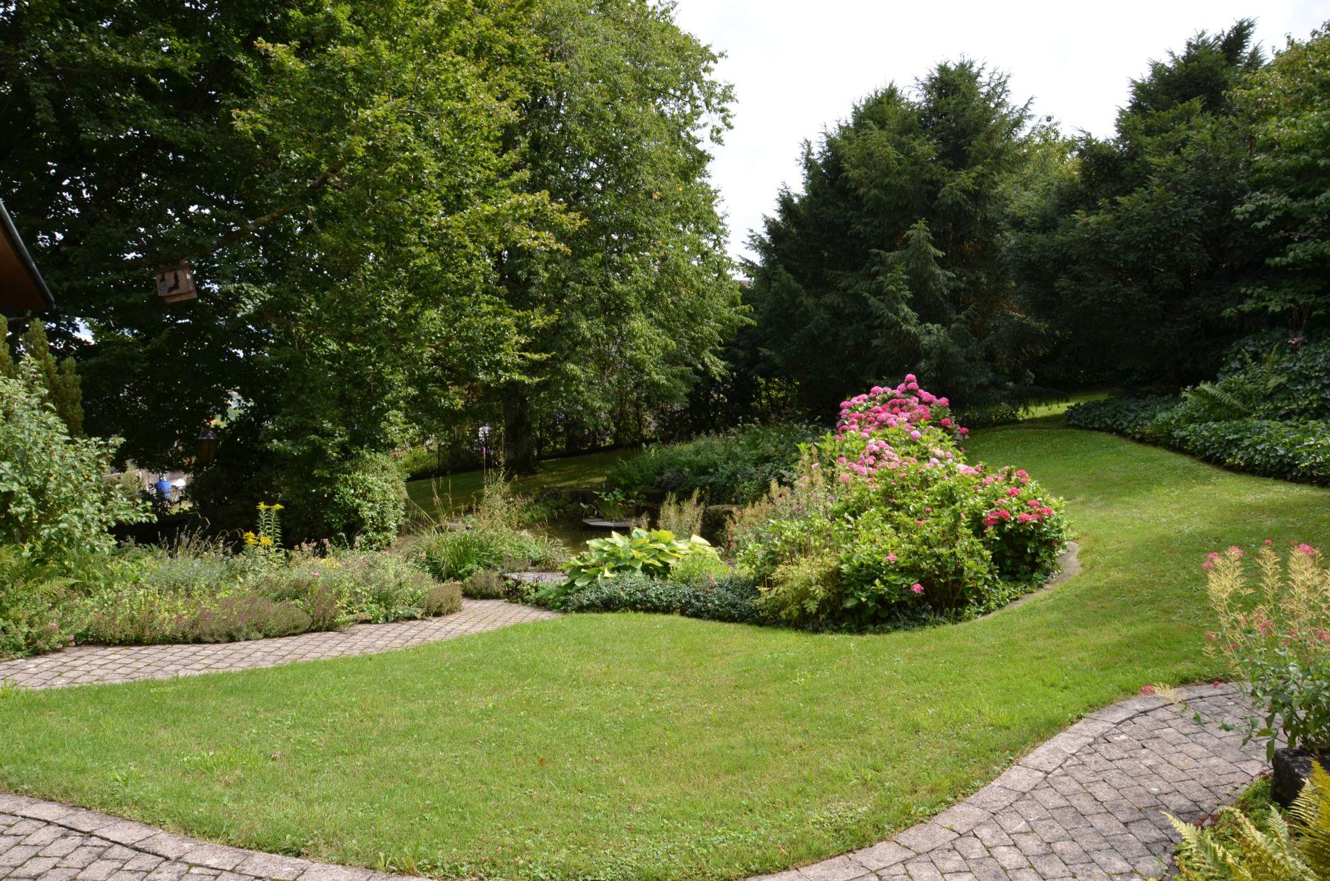 traumhafte Gartenanlage