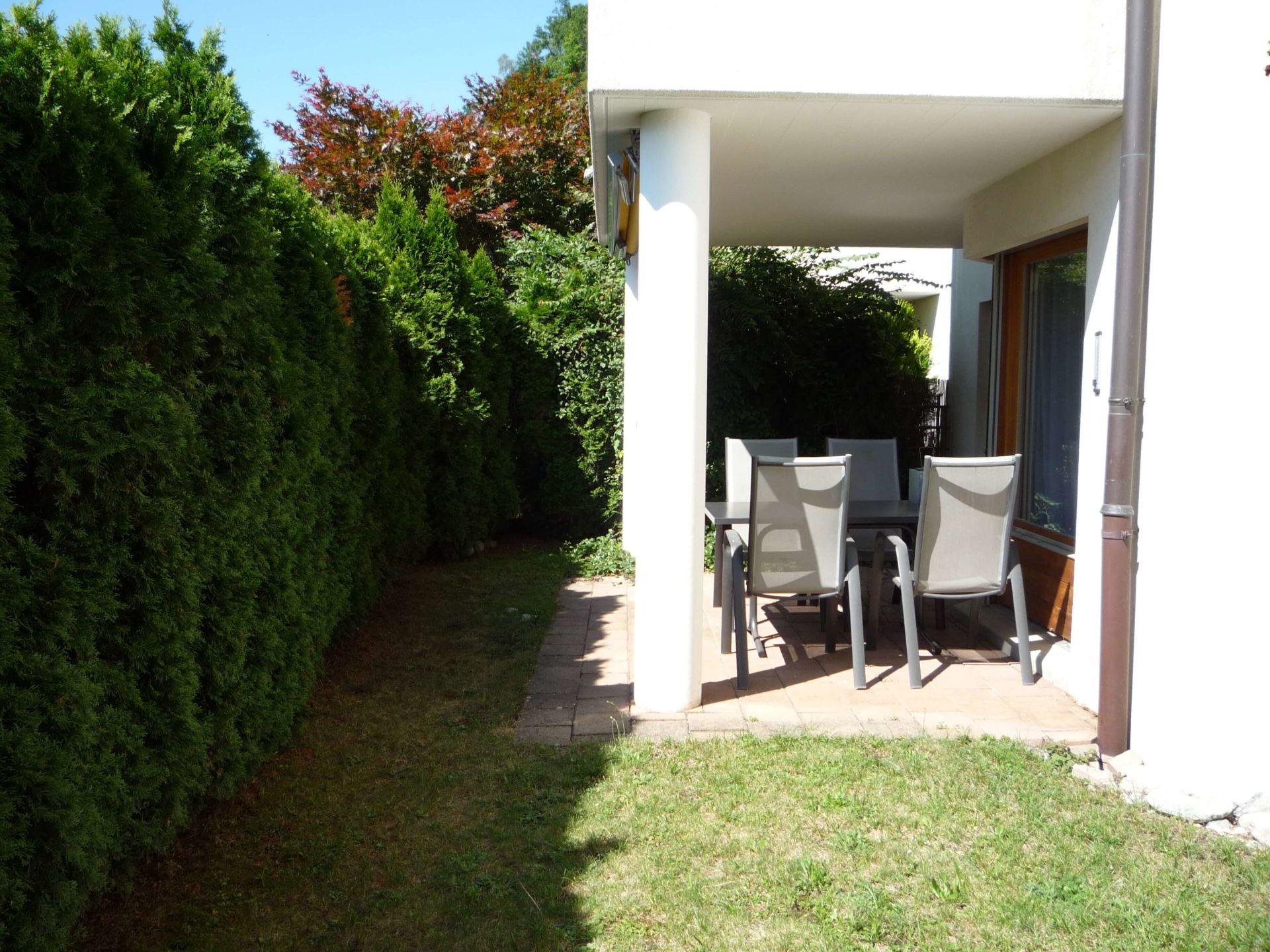 Sonnige, ruhige Gartenwohnung