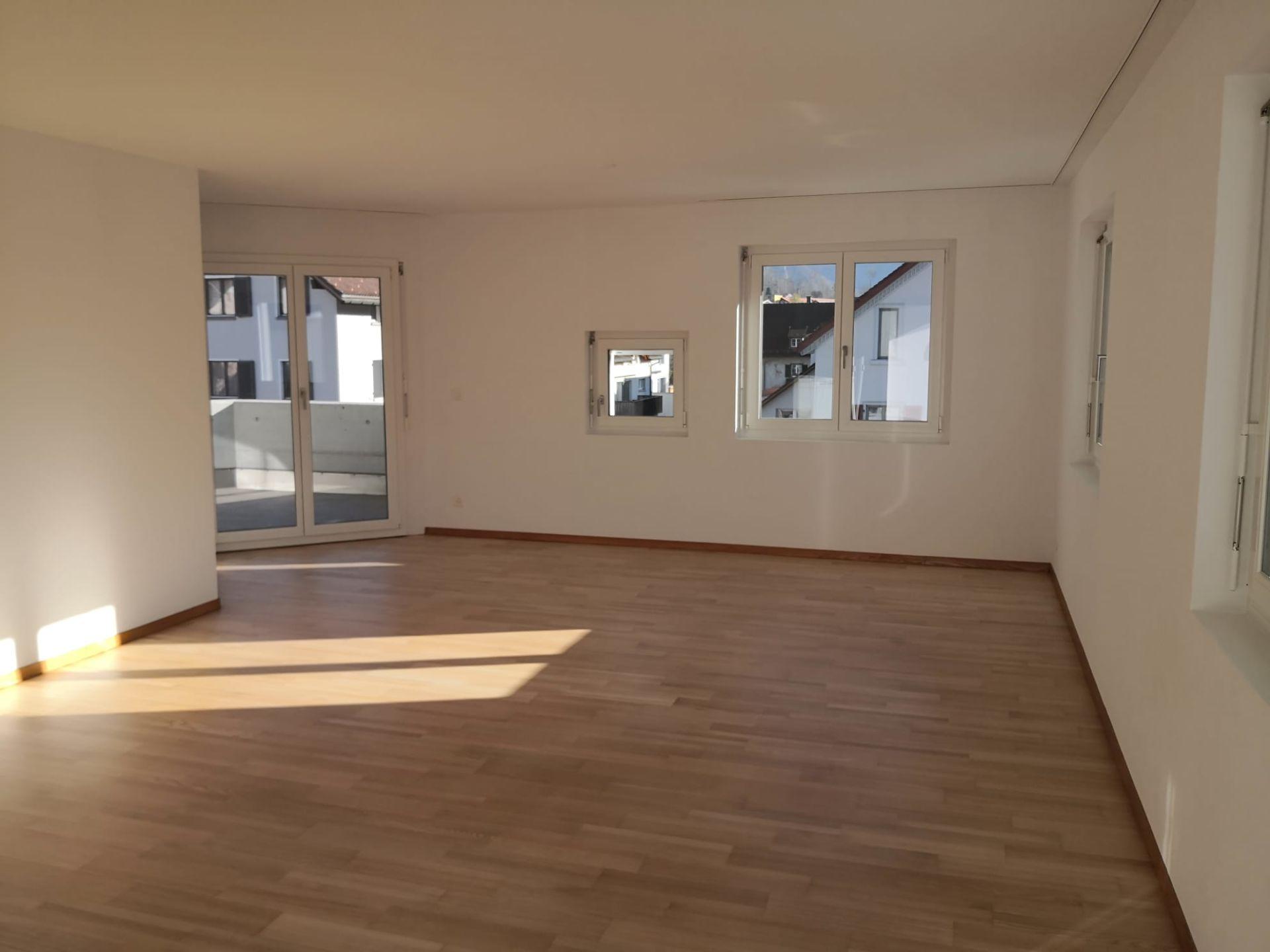 Miete: helle und zentral gelegene Wohnung